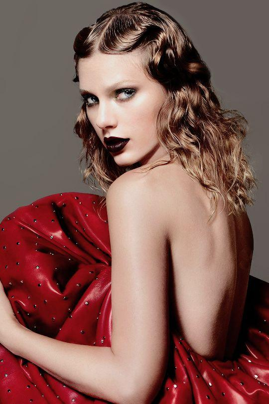 Taylor Swift's Vogue Poem and beautiful vogue photoshoot ...