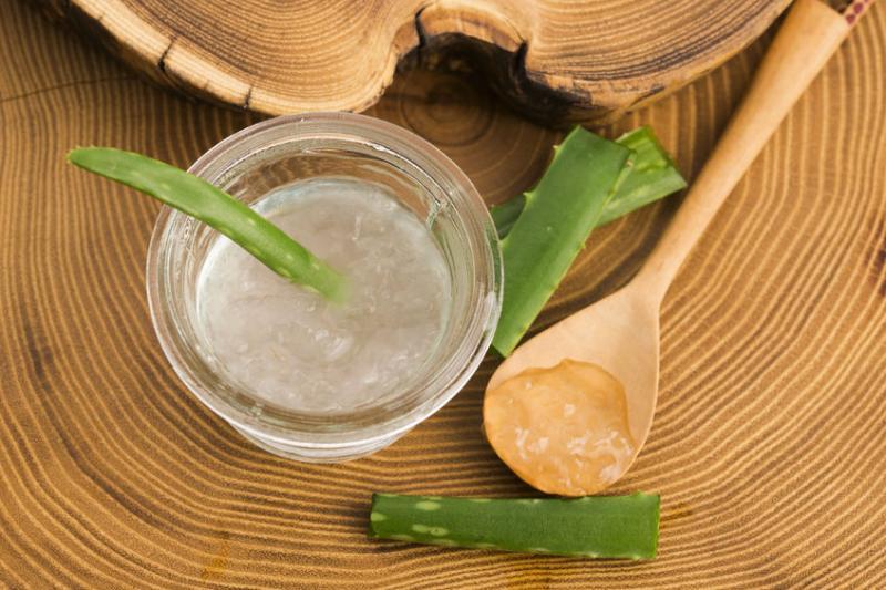Applying Aloe vera on razor burn