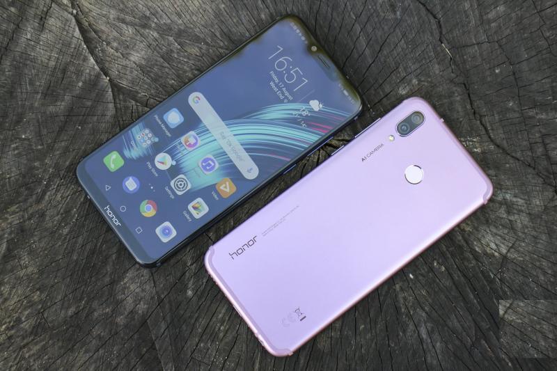 Best Smartphone in India under INR 30,000