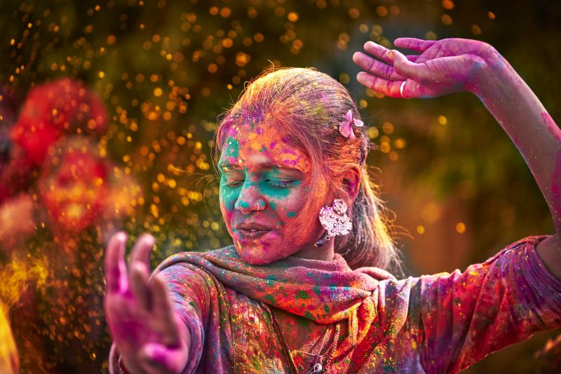 Top 10 Tips to remove Holi colors In Hind