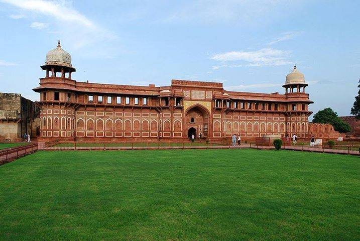 Agra Red Fort History In Hindi