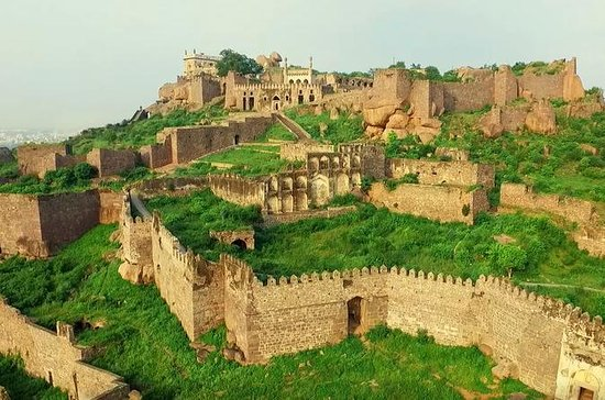 Top 10 Famous Forts of India In Hindi