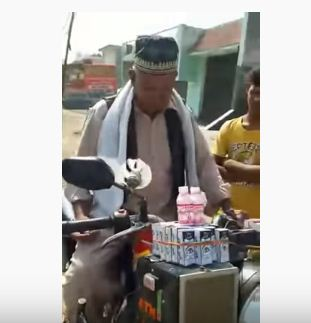 70 year Old Uncle Made a Spacial Bike