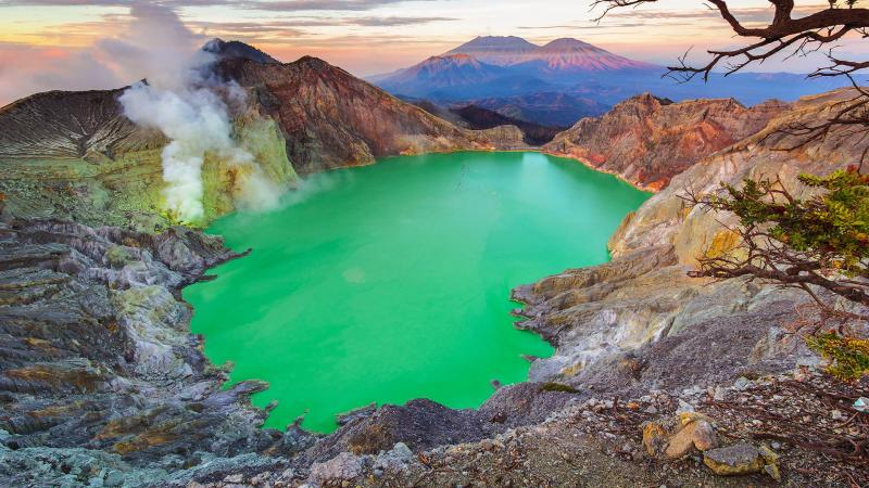 Top Strange Lakes in the World