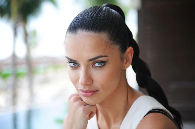 Top 50 Beautiful Woman All World In Hindi