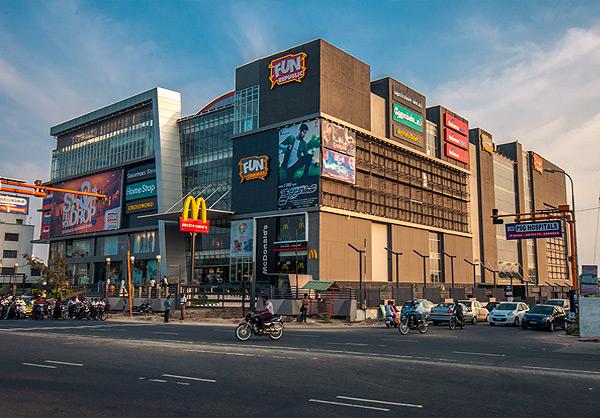ndia Top 10 Biggest Shopping Malls In Hindi