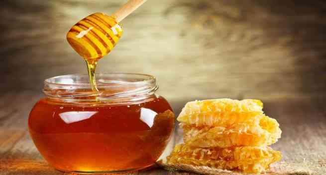 Applying Honey on Razor burn - Home remedy on razor burn