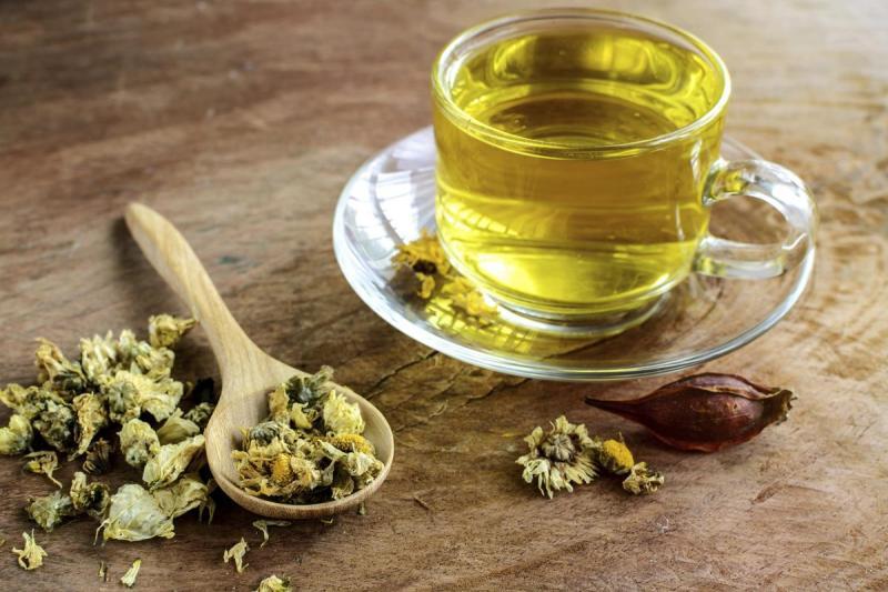 Chrysanthemum tea an caffeine-free