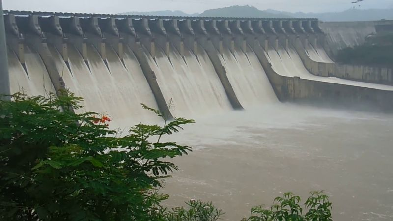 Sardar Sarovar Dam Largest dams in India