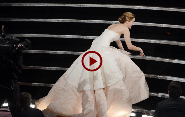 Jennifer Lawrence's embarrass moment at Awards Night