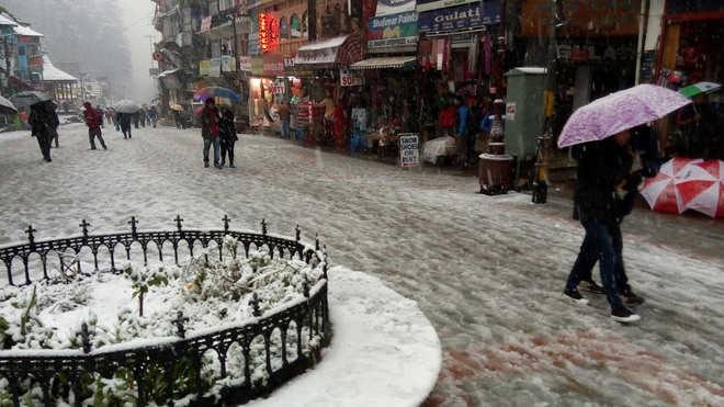 At the Low Snow Fall at Manali