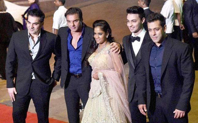 What is  Salman Khan's Sister Arpita Khan Sharma's Education