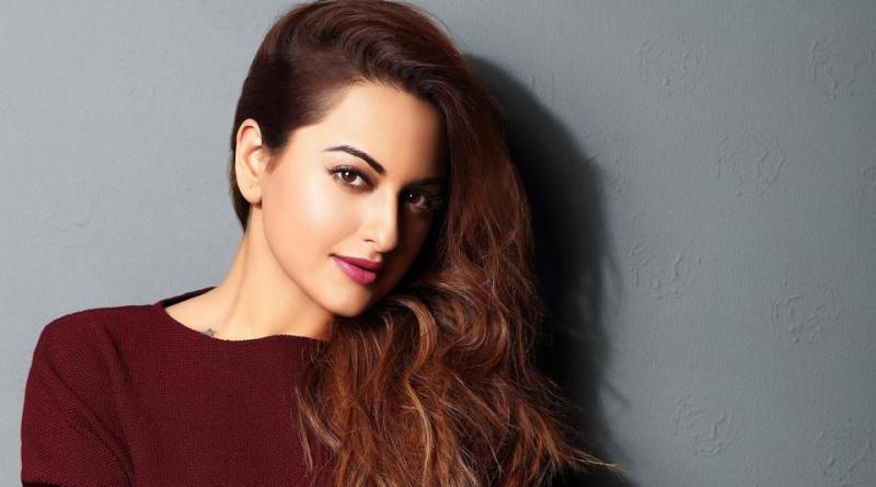 Sonakshi Sinha Hot and desi Indian girl