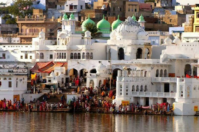 5 holy lakes of India
